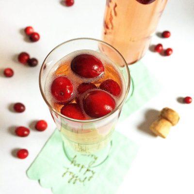 Cranberry mimosas & holiday bar cart styling tips