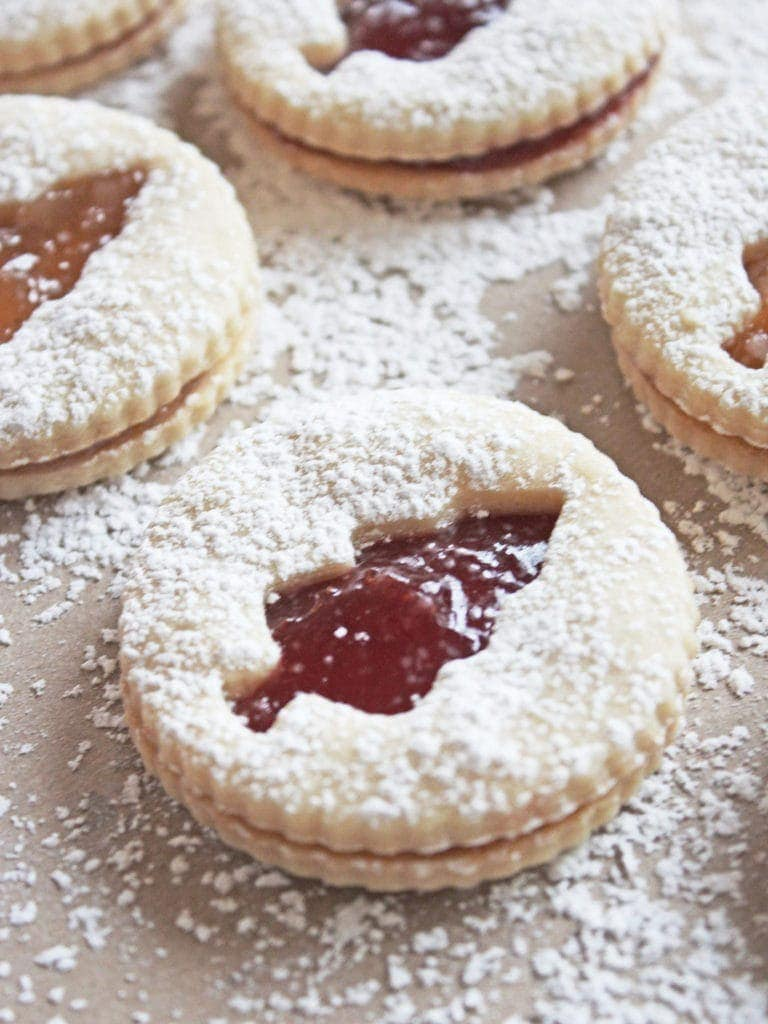 Christmas Tree Jelly Sandwich Cookies are a Christmas tradition | If You Give a Blonde a Kitchen