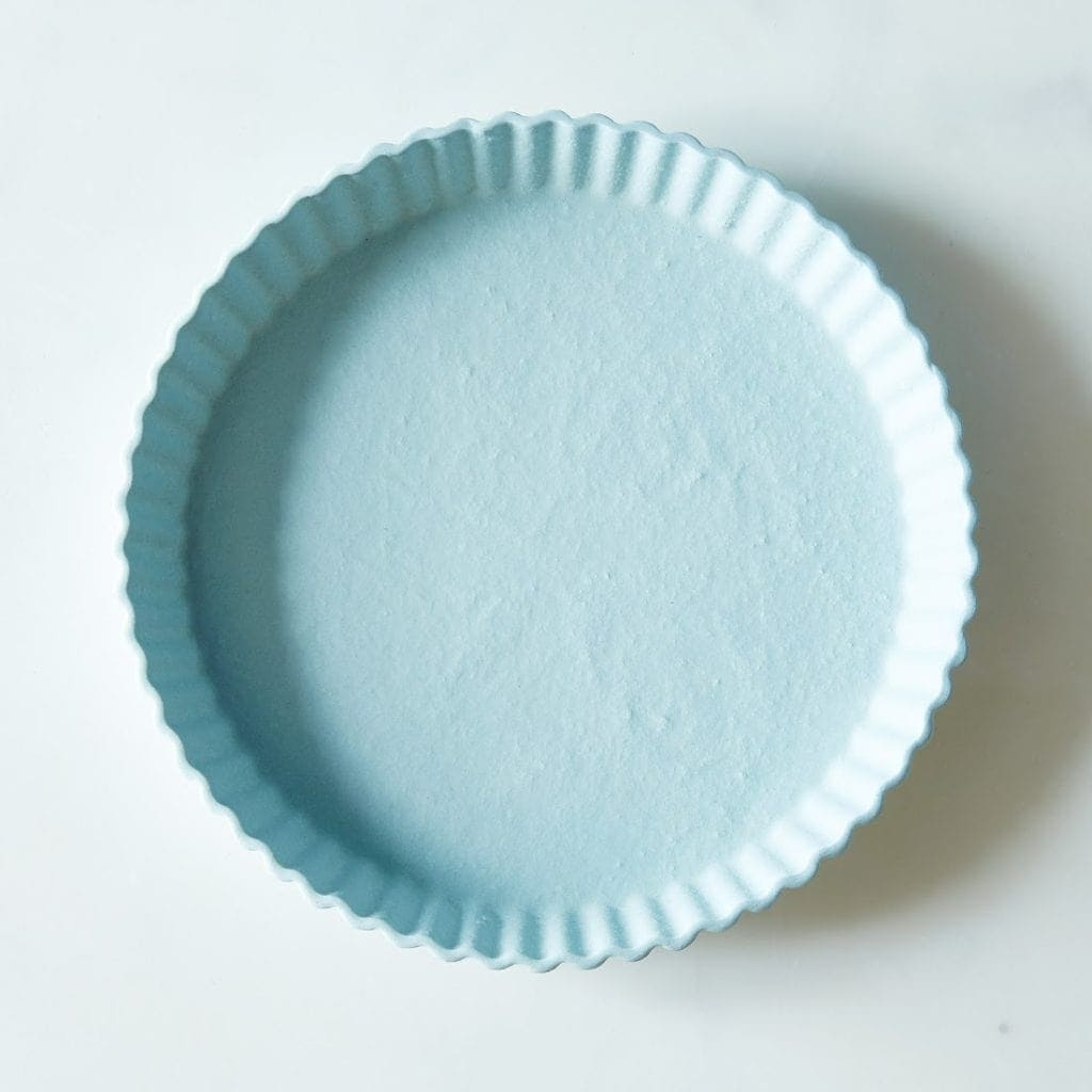 Seven kitchen gifts from Food52 including this blue tart plate | @haleydwilliams