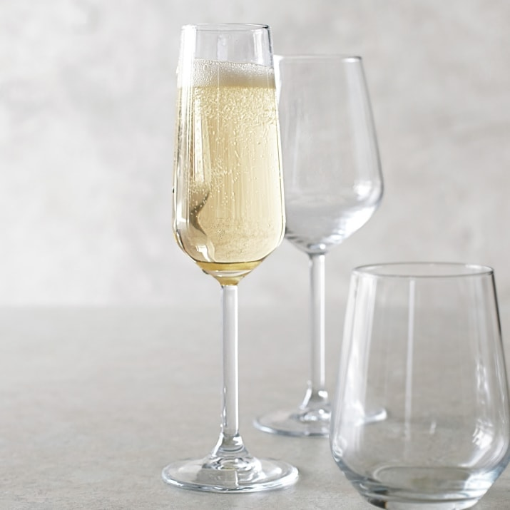 Easter Entertaining Essentials: Champagne flutes for mimosas on Easter morning. | @haleydwilliams