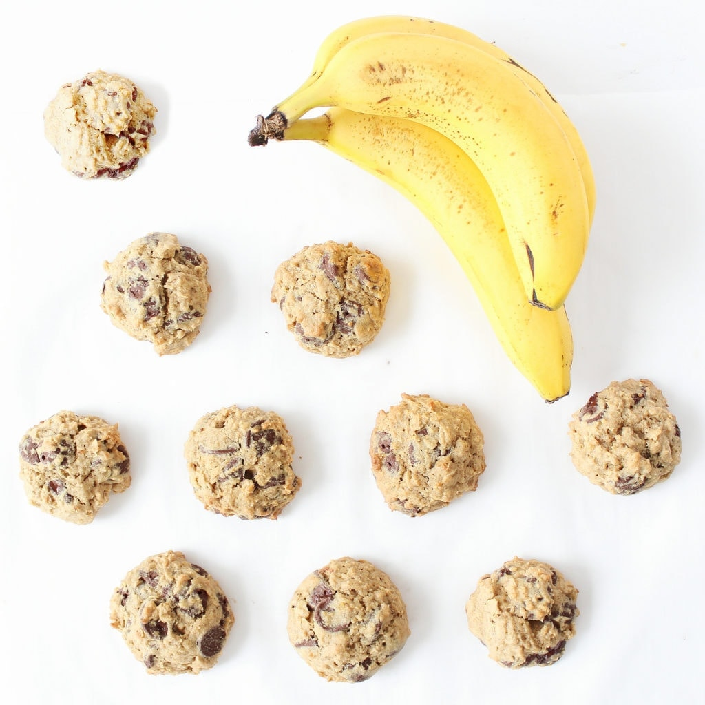 Chocolate chip banana oatmeal cookies are soft, chewy and delightfully delicious, but also deceivingly healthy! A must-try recipe on ifyougiveablondeakitchen.com. | @haleydwilliams
