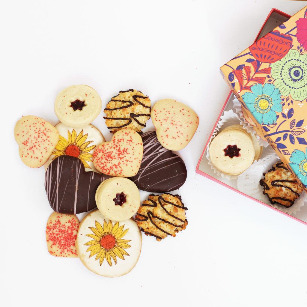 Harry & David #DelightMom Mother's Day Cookie Box | @haleydwilliams