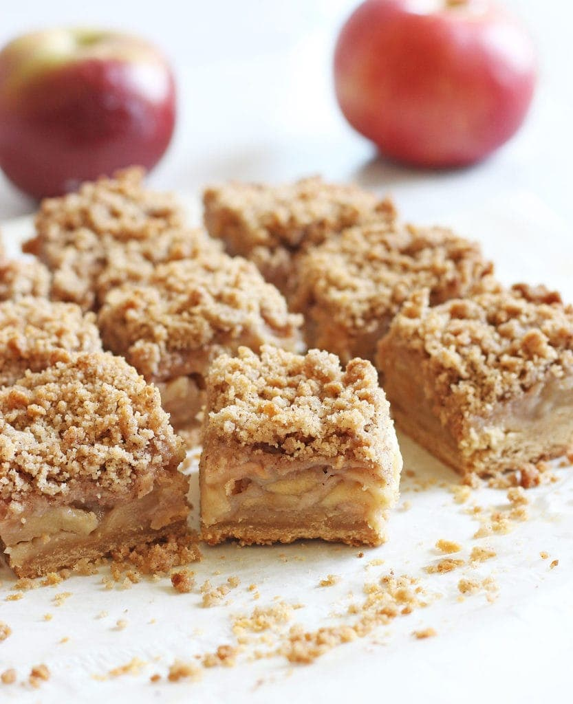 The apple crisp bars are so easy to make... not to mention delicious! A must-try fall dessert recipe. | www.ifyougiveablondeakitchen.com