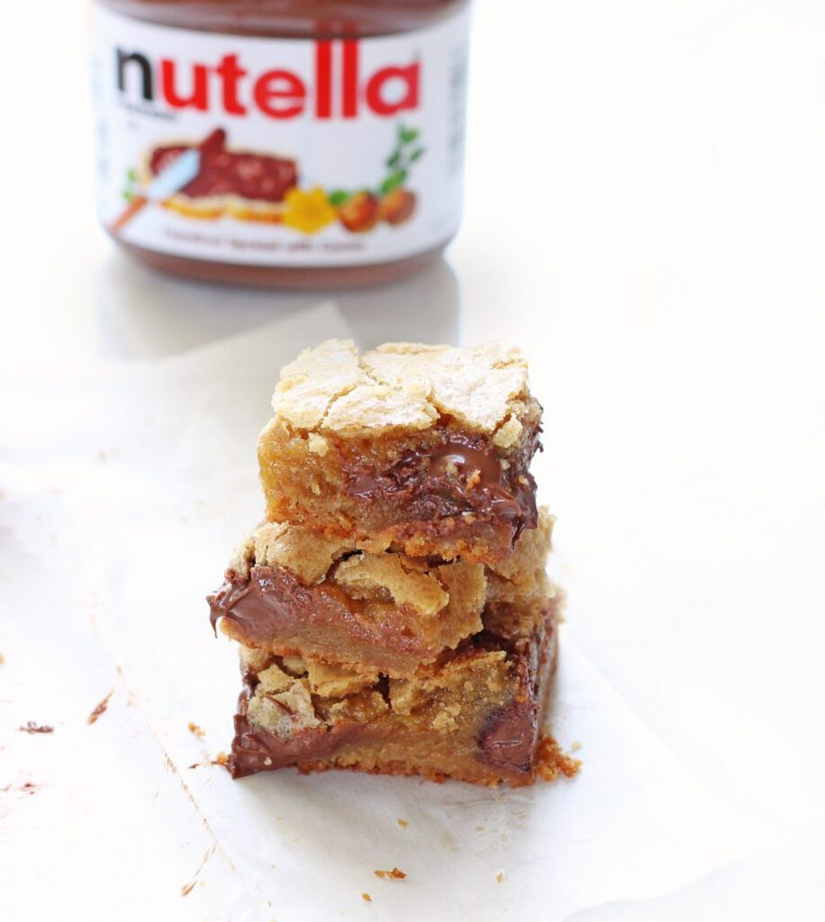 Gooey Salted Nutella Blondies | www.ifyougiveablondeakitchen.com