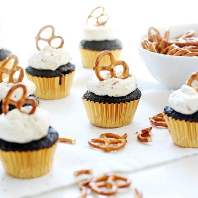 Mini Chocolate Pretzel Cupcakes