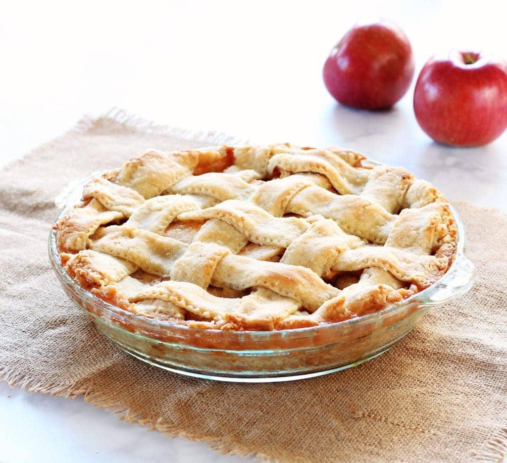 moms-homemade-apple-pie-recipe-11-2016