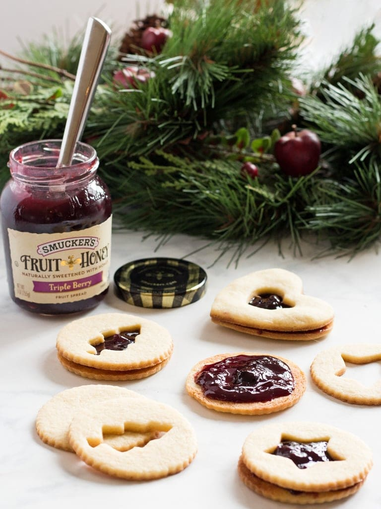 Holiday Linzer Cookies Recipe with Smucker's Jam #EasyHolidayEats | www.ifyougiveablondeakitchen.com