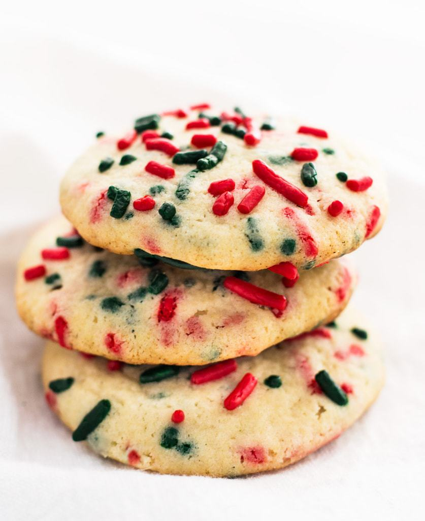 How to make christmas sugar cookies - Sprinkle Sugar Cookies Are An Easy Recipe To Try For Christmas The Red And Green