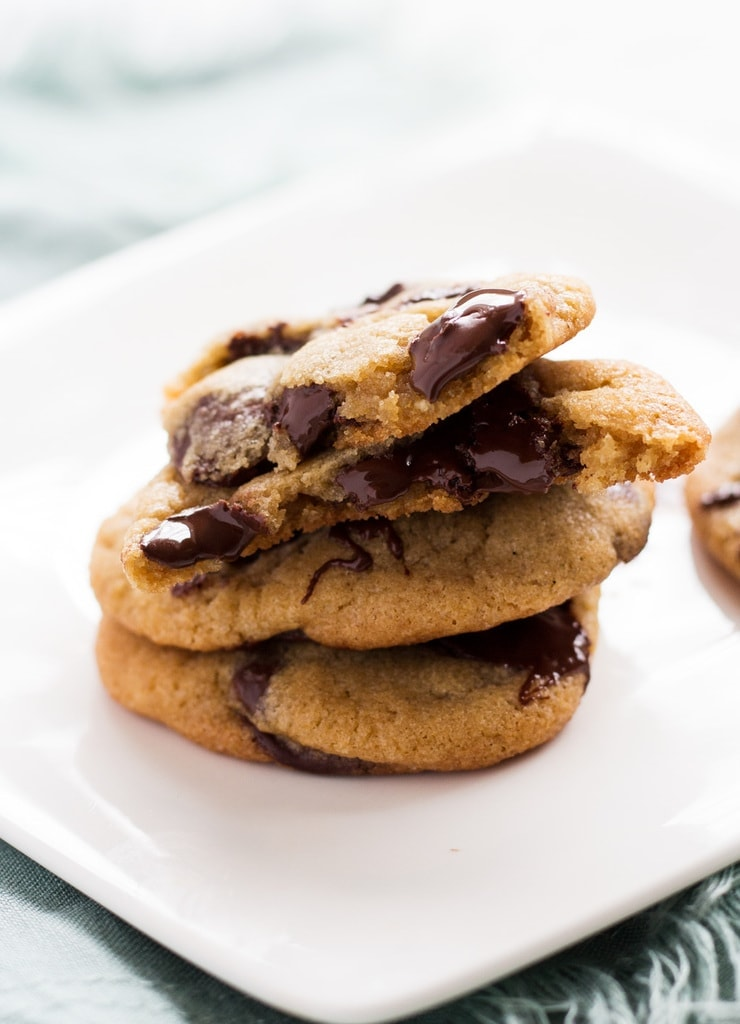How to make homemade chocolate chip cookies recipe | www.ifyougiveablondeakitchen.com