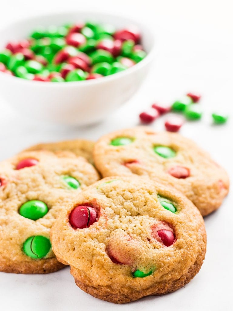 Christmas M&M cookies are chewy and easy to make. | www.ifyougiveablondeakitchen.com