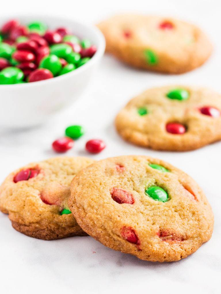 Christmas M&M cookies are an easy recipe to try with kids this holiday season. | www.ifyougiveablondeakitchen.com