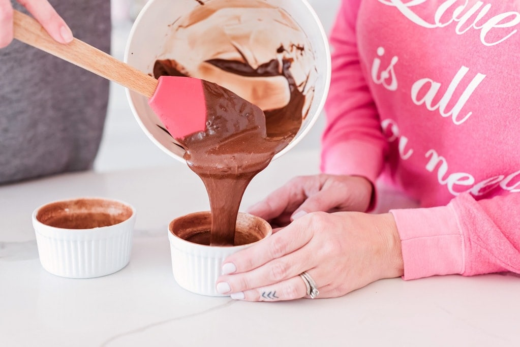 Mini flourless chocolate cake pour shot spatula ramekin