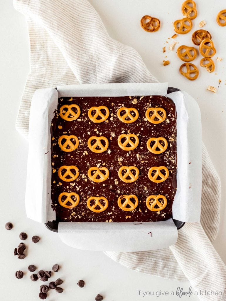 peanut butter pretzel bars with melted chocolate and mini pretzels